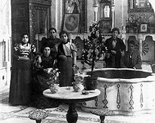 Jewish_family_in_Damascus%2C_1910_0-cd8a518f1e71c9d68528287c4a7e14787a9dc44d