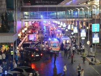 2016_06_29+Istanbul+airport+after+the+attack-95df0fb4fc2b2b3a56521e39028e643b1f7a49fb