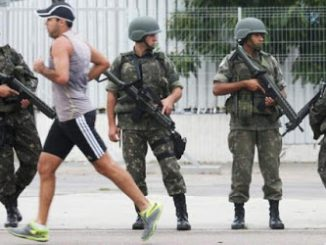 2016_07_21+Rio+Brazilian+soldiers+patrol-2d9be4925949975fd16f1c32eb9a445d1a354b52