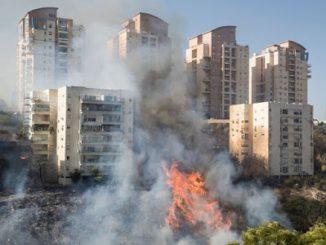 2016_11_27+Fires+in+Haifa-130a1a3e1bd0b070744db2ffcf55acecd8498aee