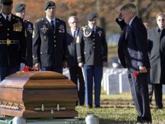 2017_04_28+Moriarty+salutes+son%27s+coffin-0df9e7177e4b57d252d4e18232267d065ab890e7