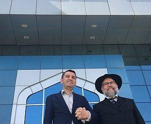 mamzani-and-rabbi-edri-@rabbi-edri-300x480-5d9a9576585fba15020f2a3c2ffde0709b8b4a50