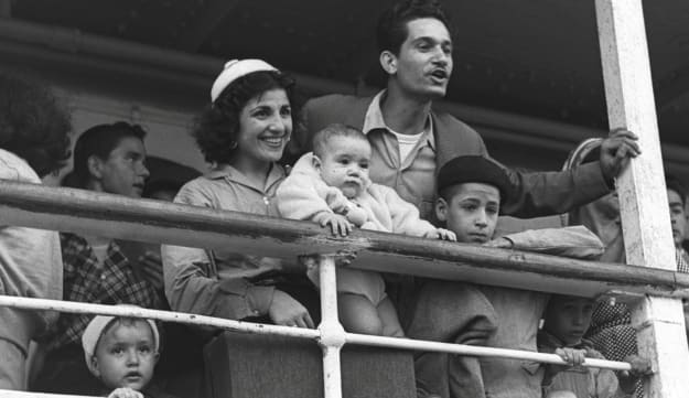 Jewish immigrants from Morocco arrive at Haifa's port