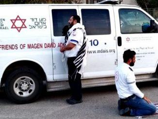 Jewish-and-Muslim-emergency-workers-March-2020-c91dd2414eddcdcf43783e94c10b49f64d3f83a3